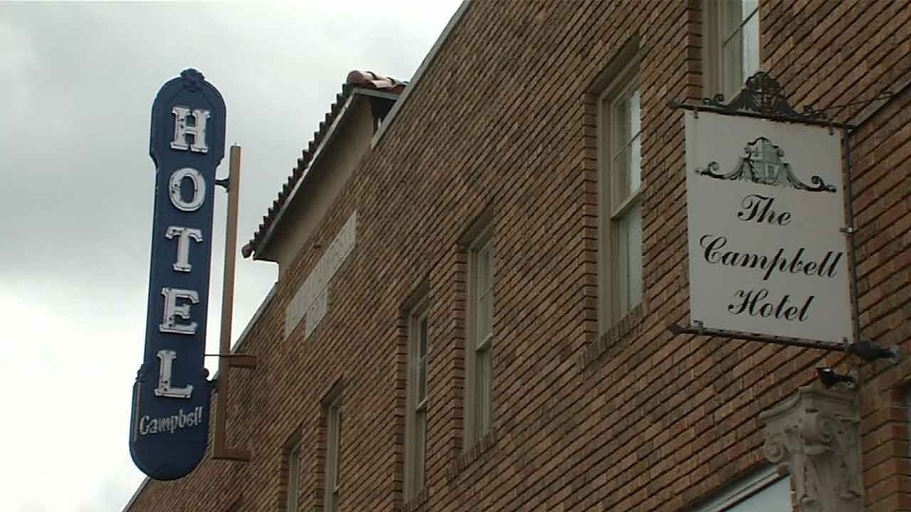 Historic Tulsa Hotel Has Room Dedicated To 'The Outsiders' Author