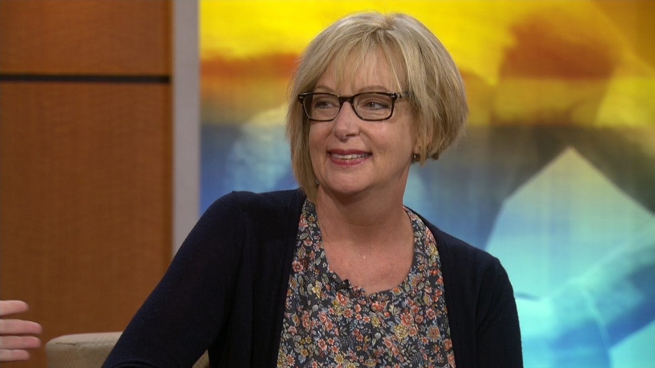 Motivational Speaker Talks About Her Book 'Dumpster Diving' On 6 In The Morning