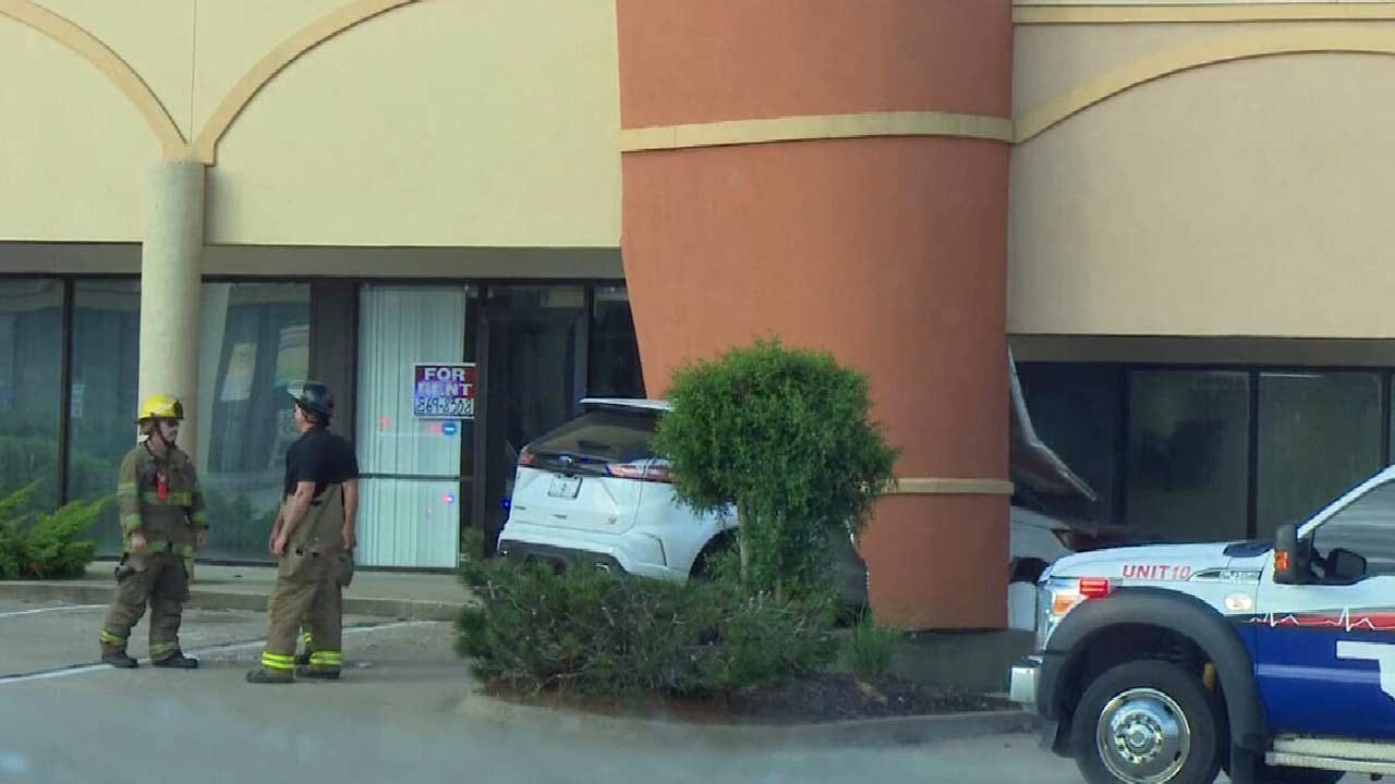 SUV Crashes Into Muskogee Building