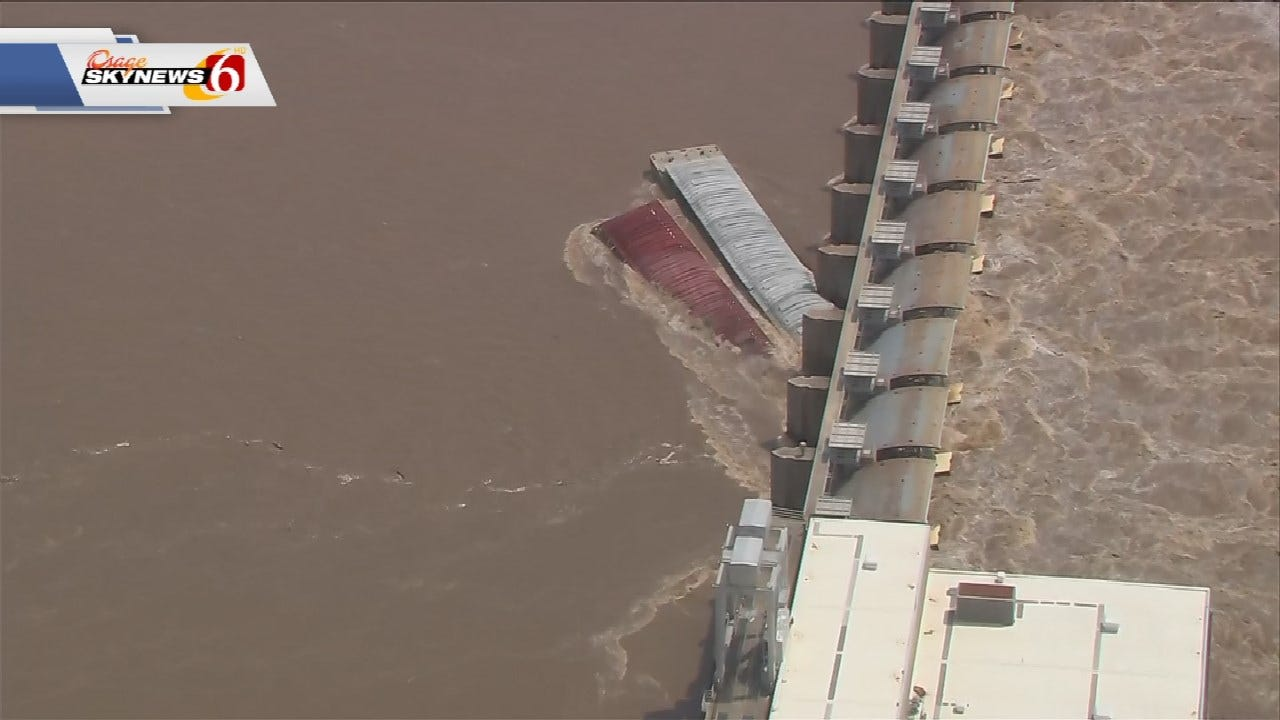 Engineers Attempting To Recover Barges That Crashed In Muskogee County Dam