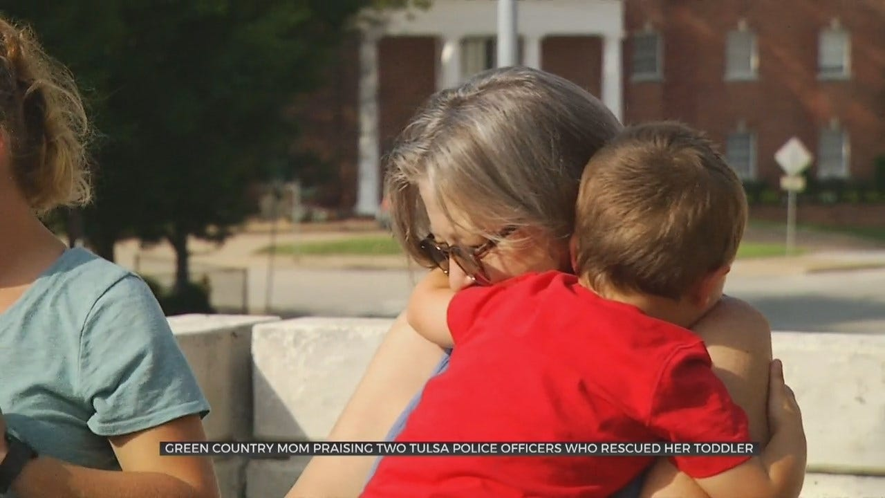 Off-Duty Tulsa Police Officers Rescue Toddler Accidentally Locked In Jeep