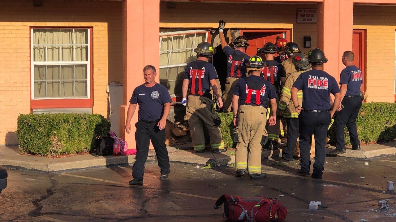 Car Crashes Into Super Motel 8 In Midtown Tulsa