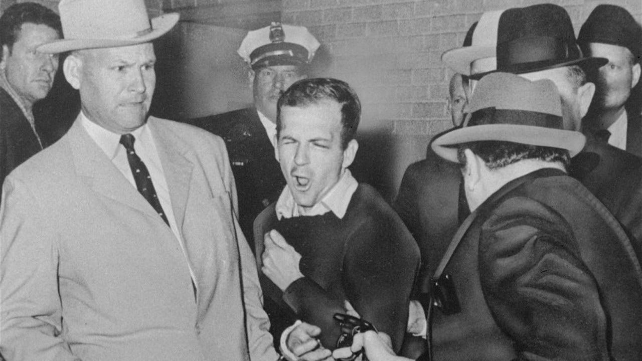 Jim Leavelle, Lawman At Lee Harvey Oswald's Side, Dies At 99