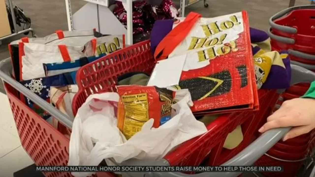 Mannford High School Students Raise Thousands of Dollars For 'Santa Project'