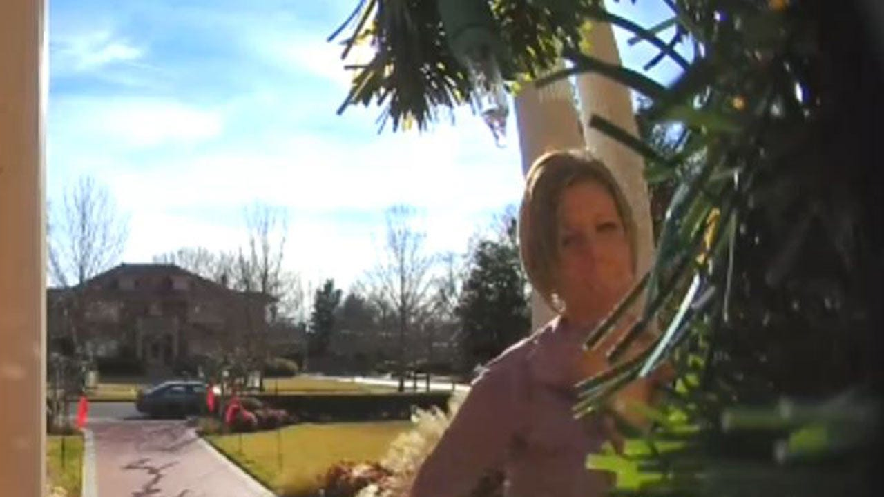 Tulsa's Riverside Task Force Looking For Christmas Eve Porch Pirate