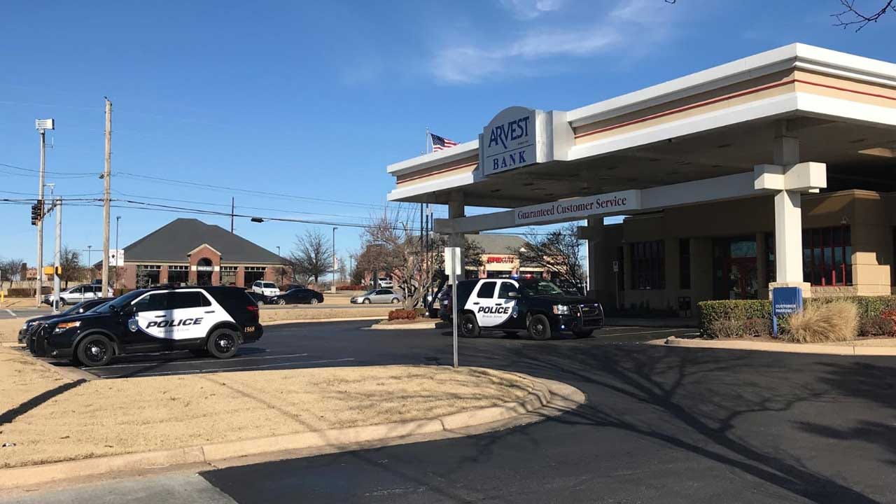 Broken Arrow Bank Robbery Suspect Dies By Suicide, Police Say