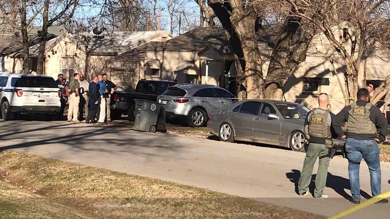 U.S. Marshals Shoot, Kill Tulsa Domestic Violence Suspect