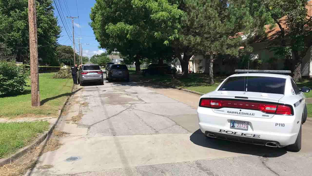 Bartlesville Police Investigating Homicide After Body Found In Alleyway