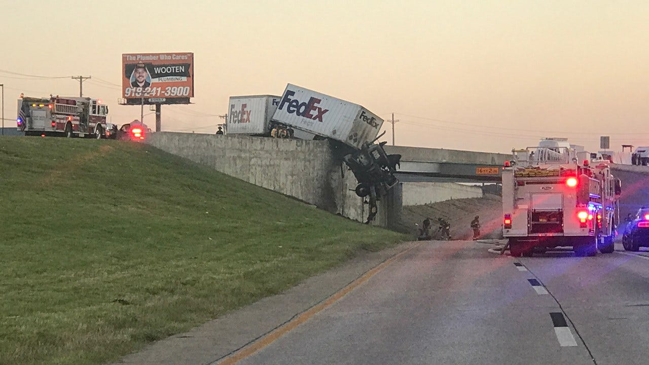 1 Person Dead After Semi Crash On Turner Turnpike