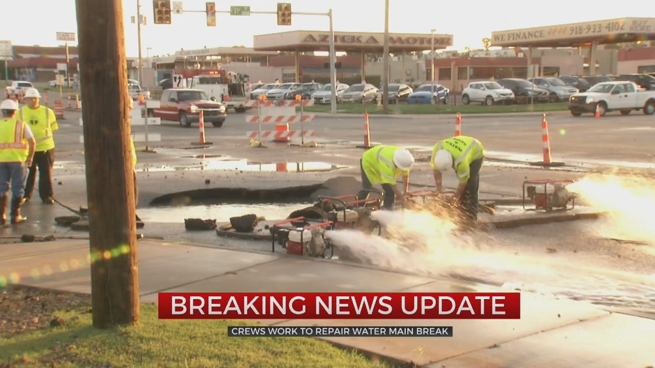 Tulsa Water Main Break Forces Nearby Salon To Improvise