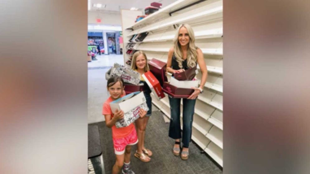 Arkansas Mom Buys Out Payless Shoe Store For Kids In Need