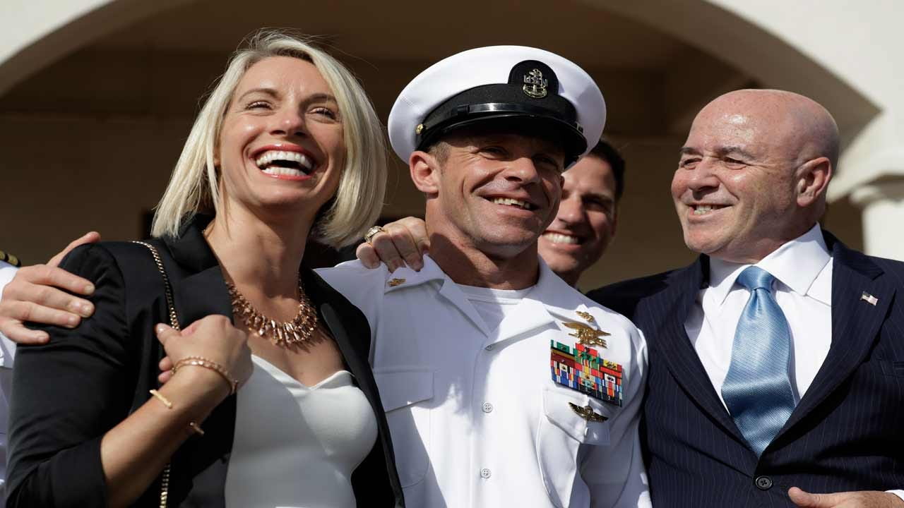 Jury Weighs Navy SEAL's Punishment For Posing With Corpse