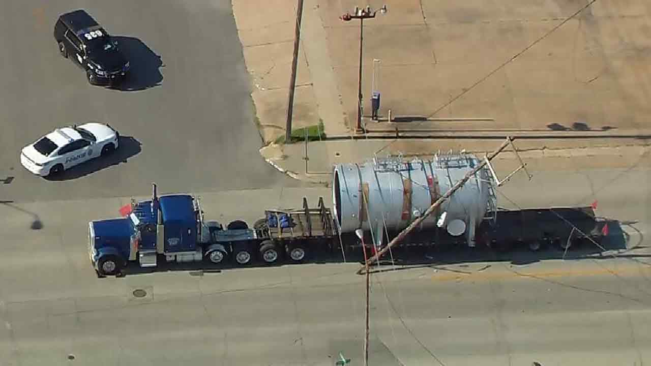 Oversized Load Takes Out Sapulpa Power Poles