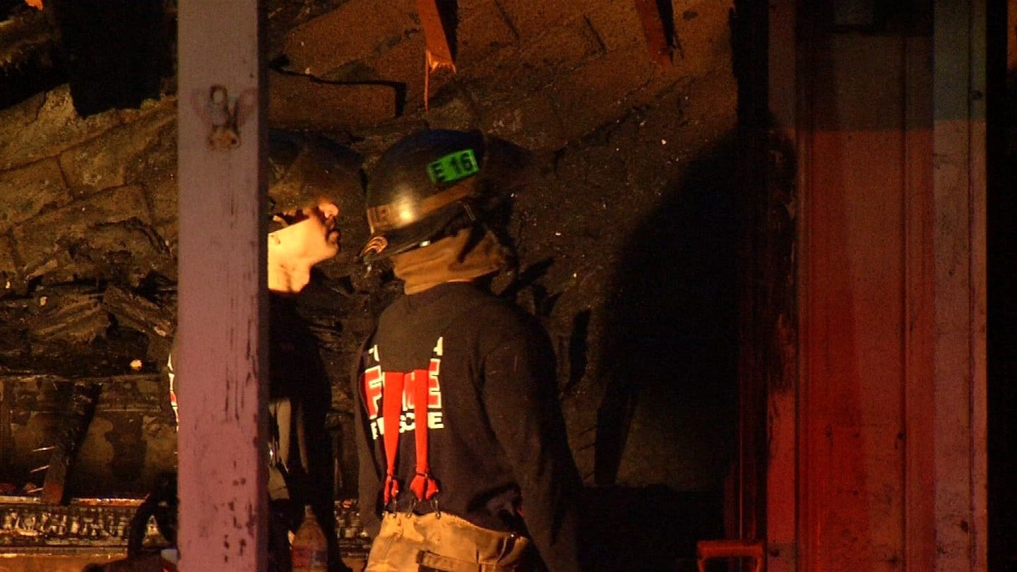 2 Firefighters Injured Fighting Abandoned House Fire Near Turley