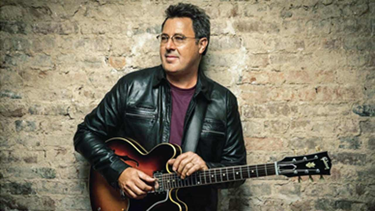 Tulsa's River Spirit Announces Vince Gill To Perform