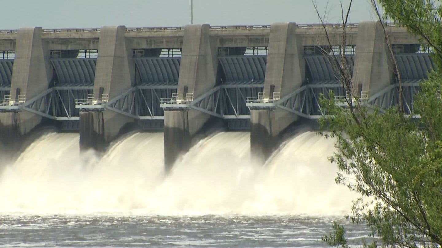 Residents Near Fort Gibson Lake Cleaning Up After Flooding
