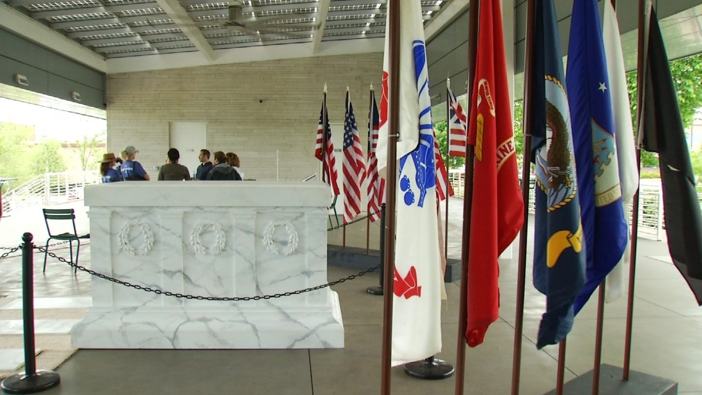 Tomb Of The Unknown Soldier Replica On Display In Tulsa