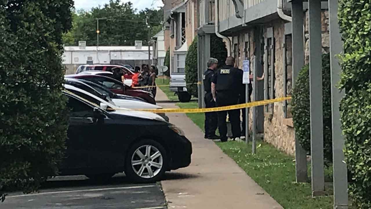 Tulsa Police Investigating Double Shooting At London Square Apartments
