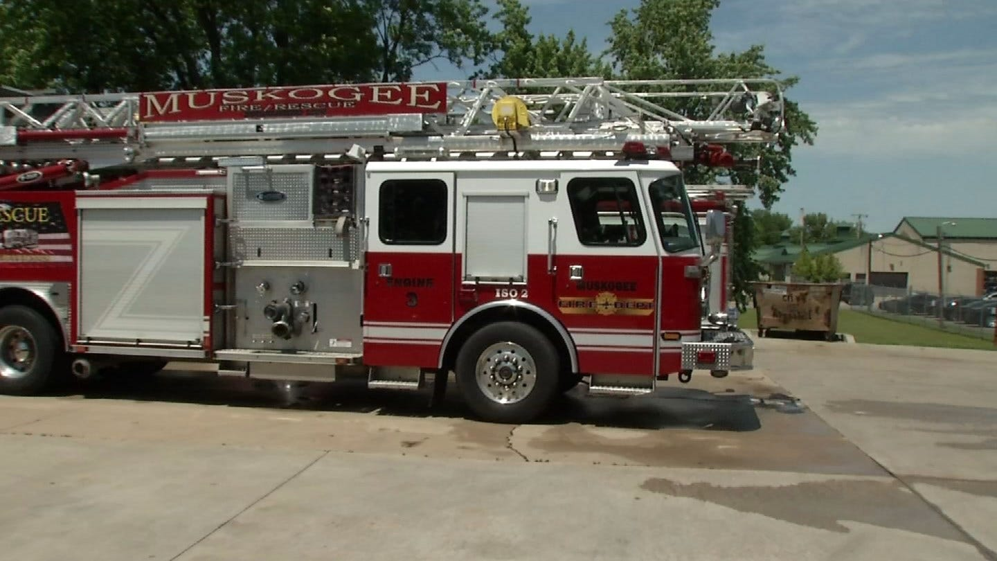 Community Steps Up To Thank Muskogee Firefighters