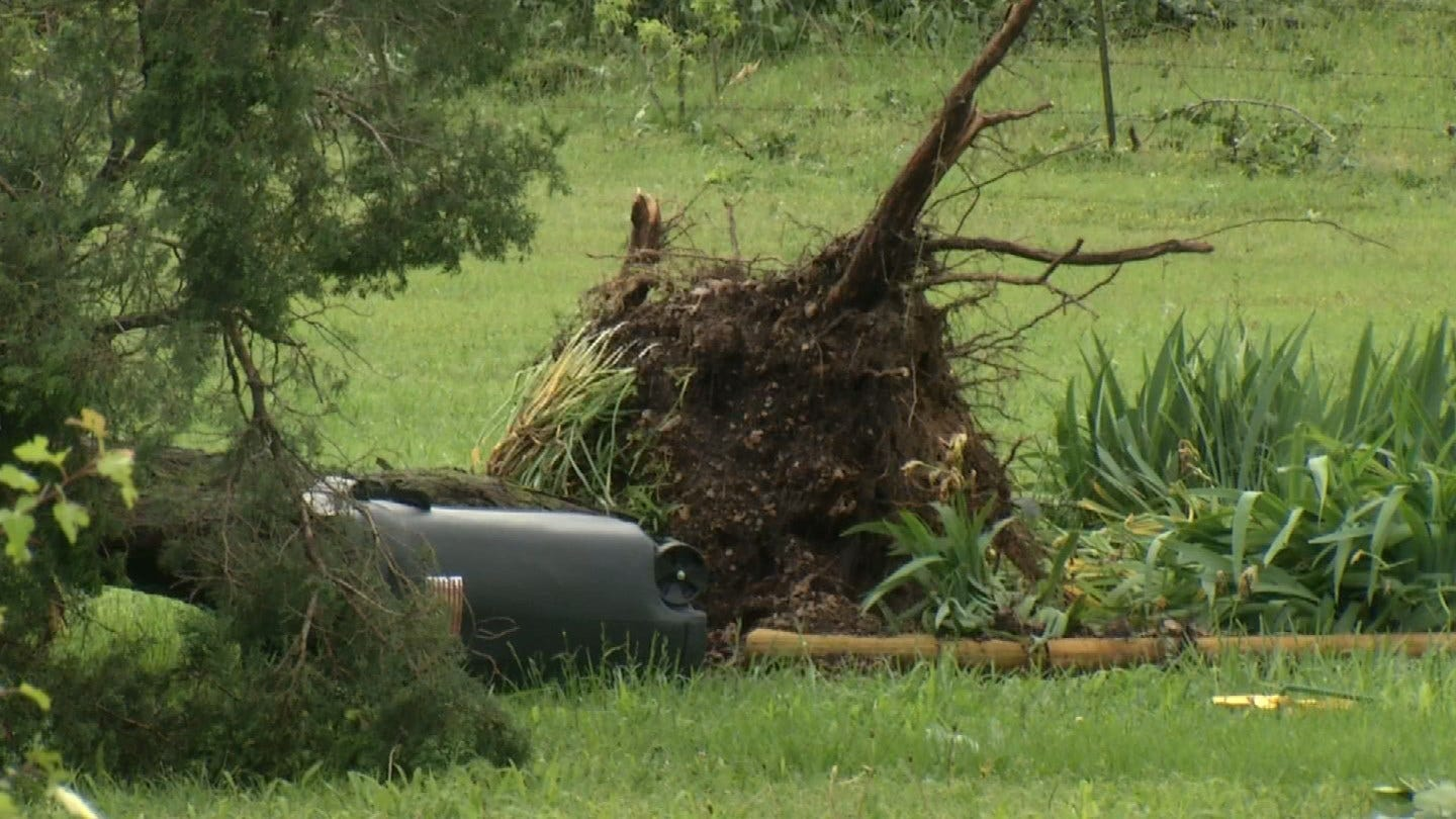 Oklahoma Storm Leaves Big Mess For Residents Near Peggs