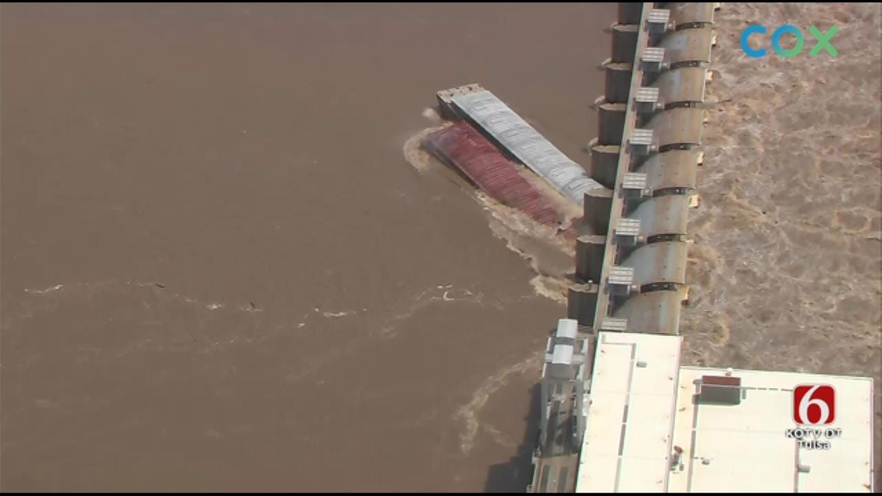 WATCH: Runaway Barges Crash Into Lock & Dam On Arkansas River