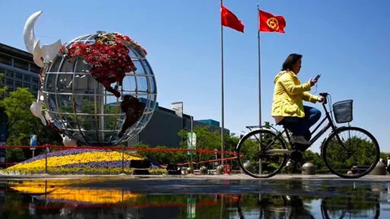 U.S. Plans To Hike Tariffs Friday, Says China Broke Promises