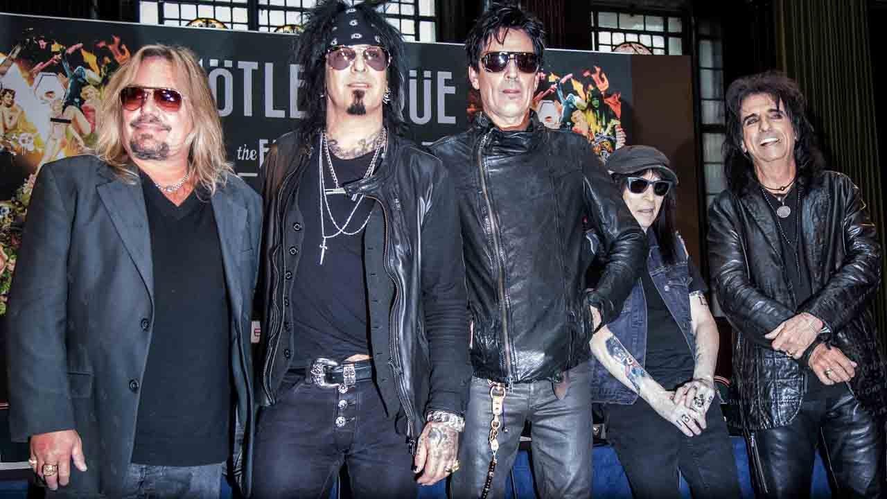 Mötley Crüe Is Back Together, Announces Tour