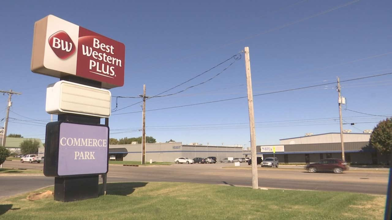 Tulsa Police Searching For Man Accused Of Robbing Best Western Hotel