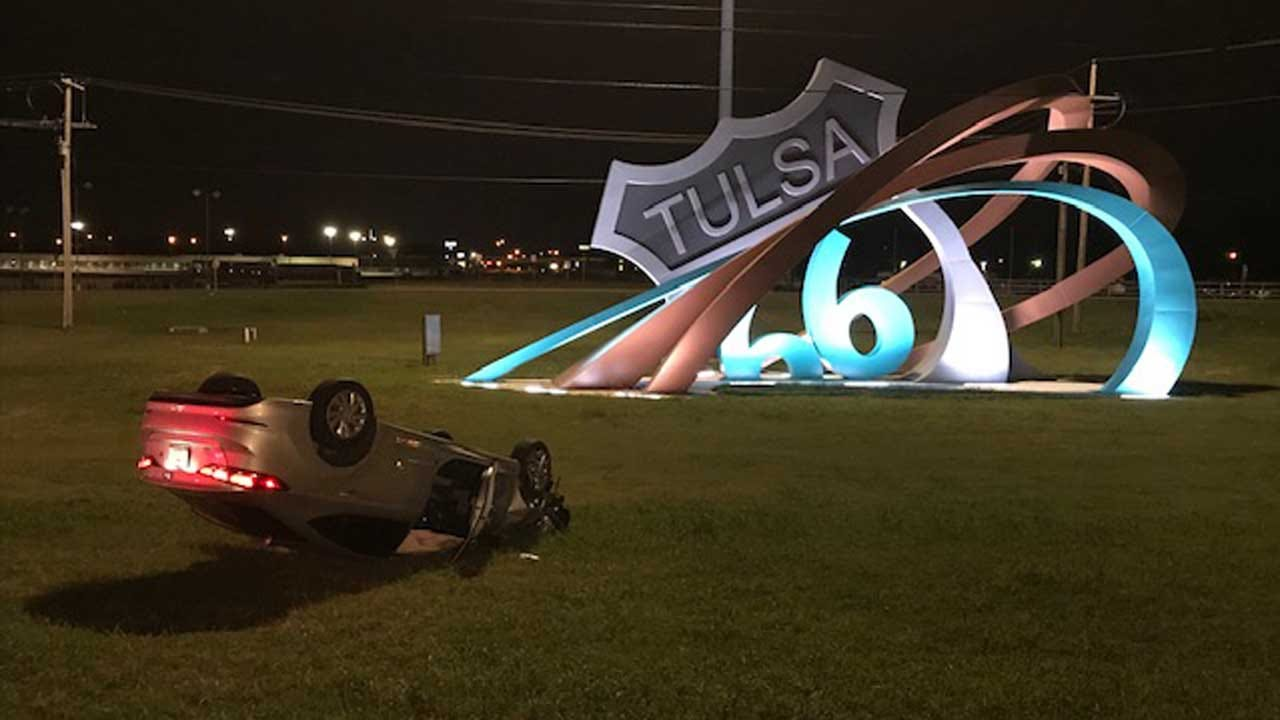 Tulsa Police Search For Driver After Rollover On Route 66