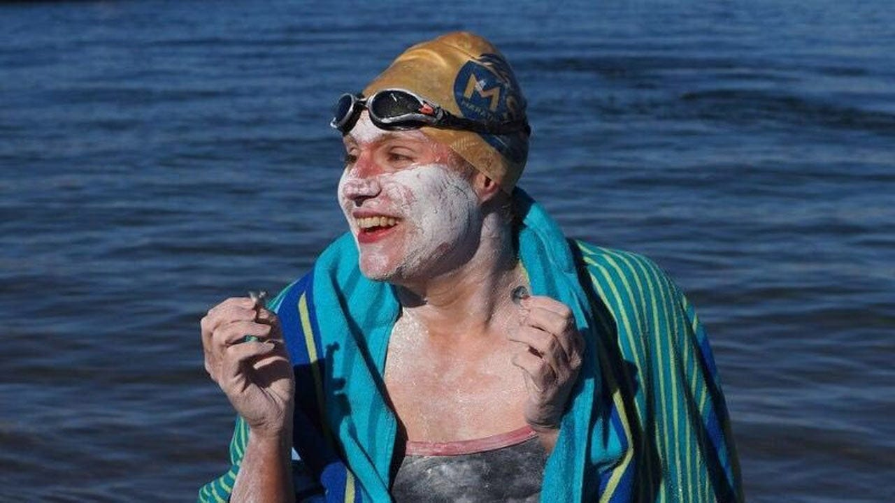 World Record: American Cancer Survivor Swims English Channel 4 Times In A Row