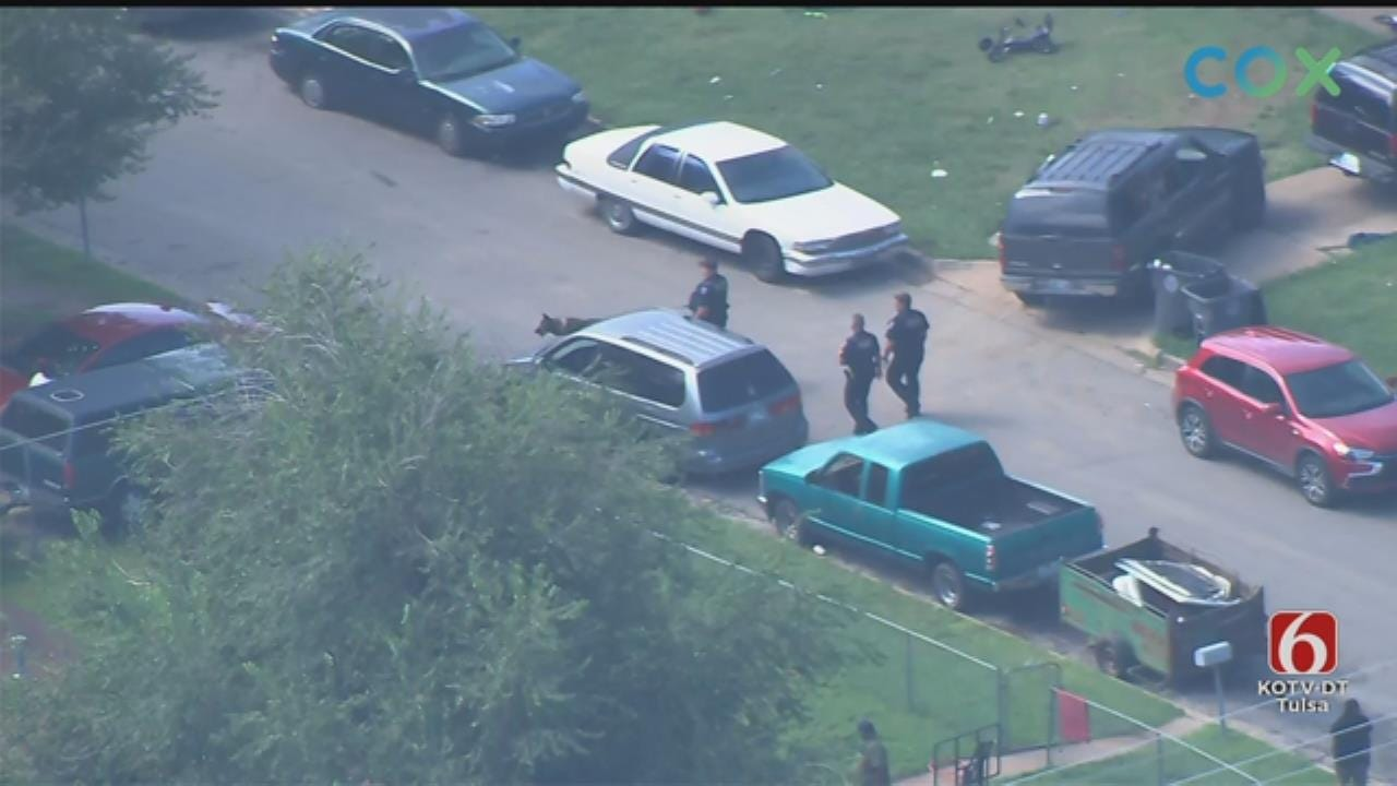Masked Men Carrying Guns Rob Tulsa Citi Trends, Police Say
