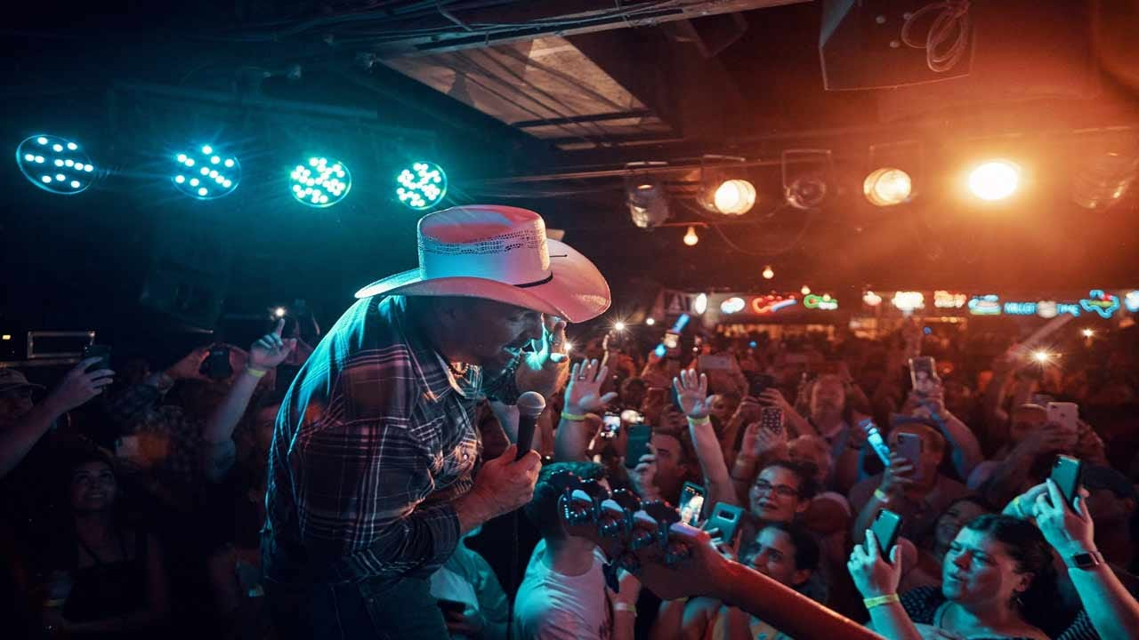 Garth Brooks Performs Special Show For Small Texas Crowd