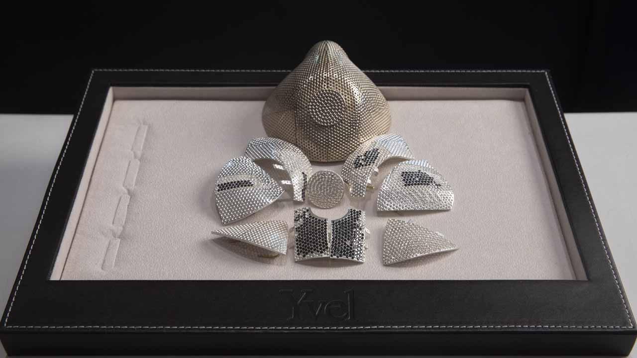 Israeli Jeweler Makes $1.5M Gold Coronavirus Mask