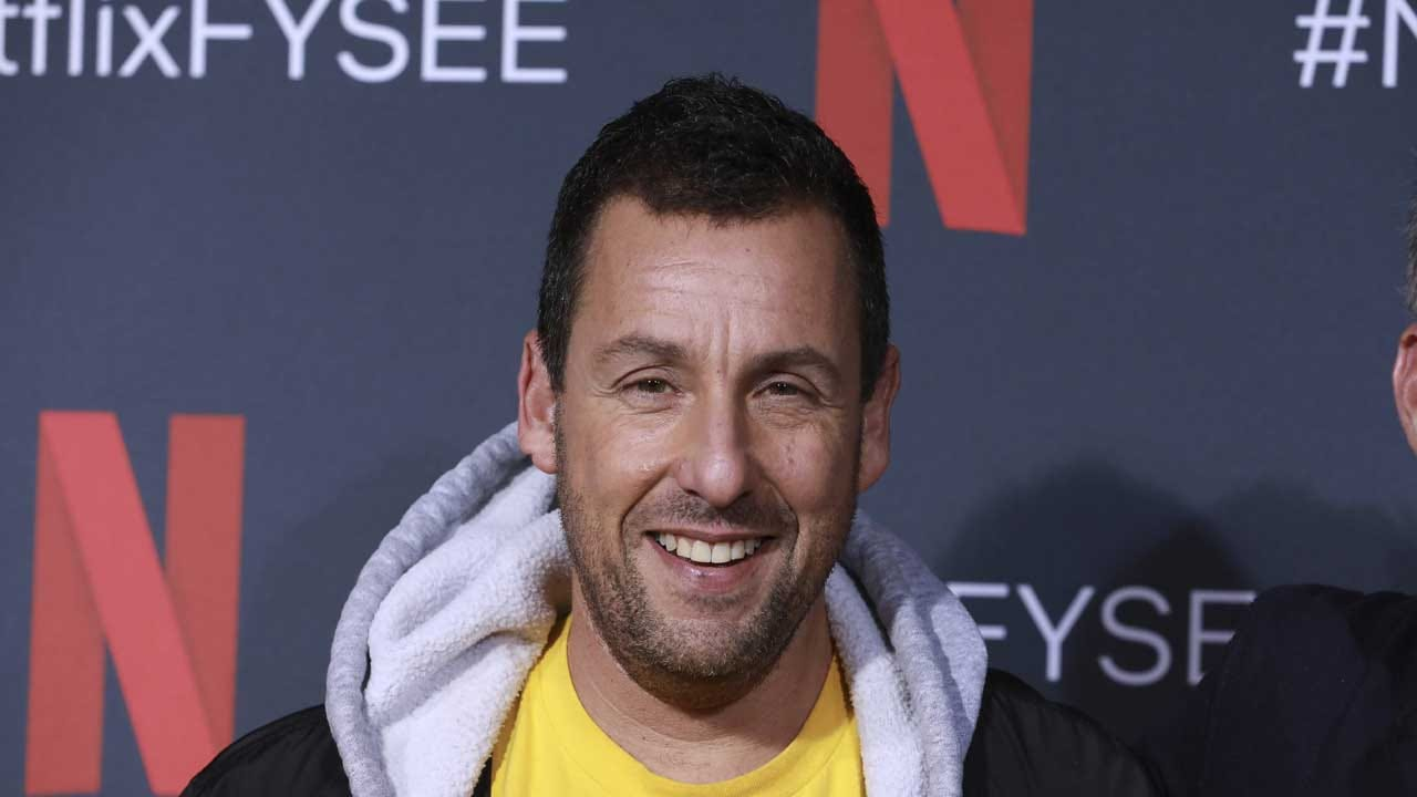 Adam Sandler Signs Deal With Netflix To Make 4 More Films