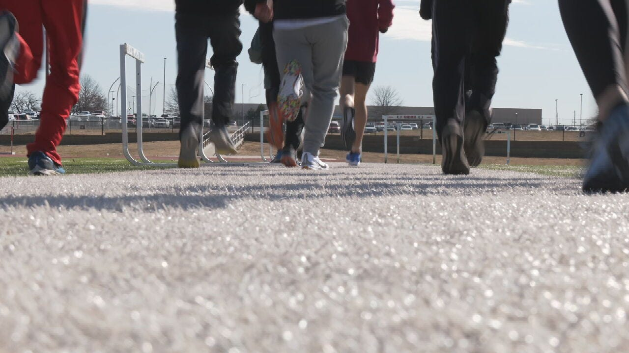 Union High School Students Show Support For Moore Track Team