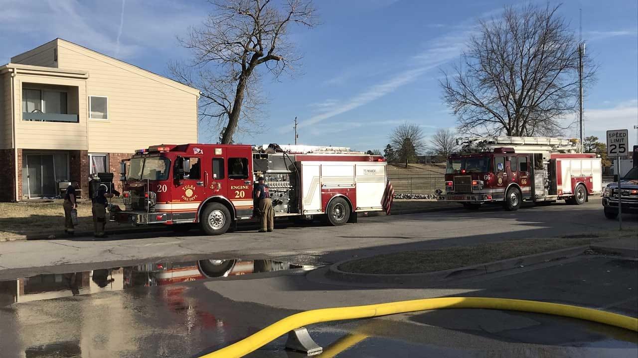 Crews Battle Fire At Tulsa Apartment Complex
