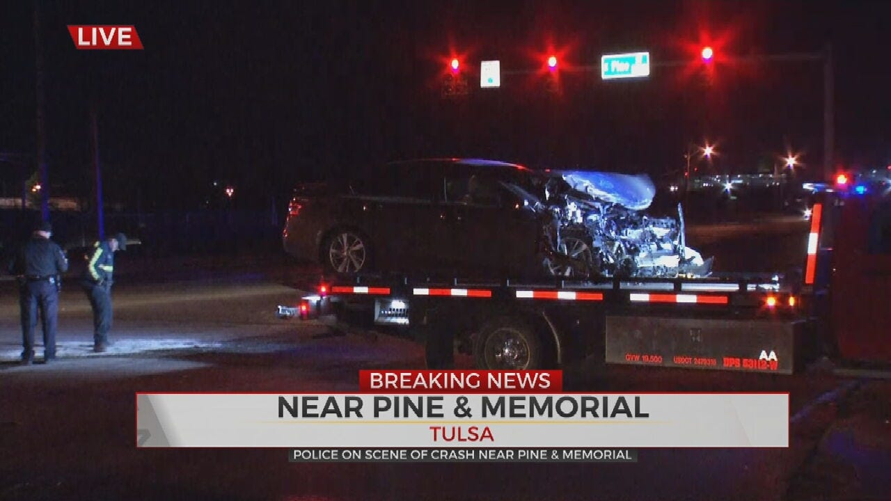2 Vehicle Crash Closed Pine At Memorial, Tulsa Police Say