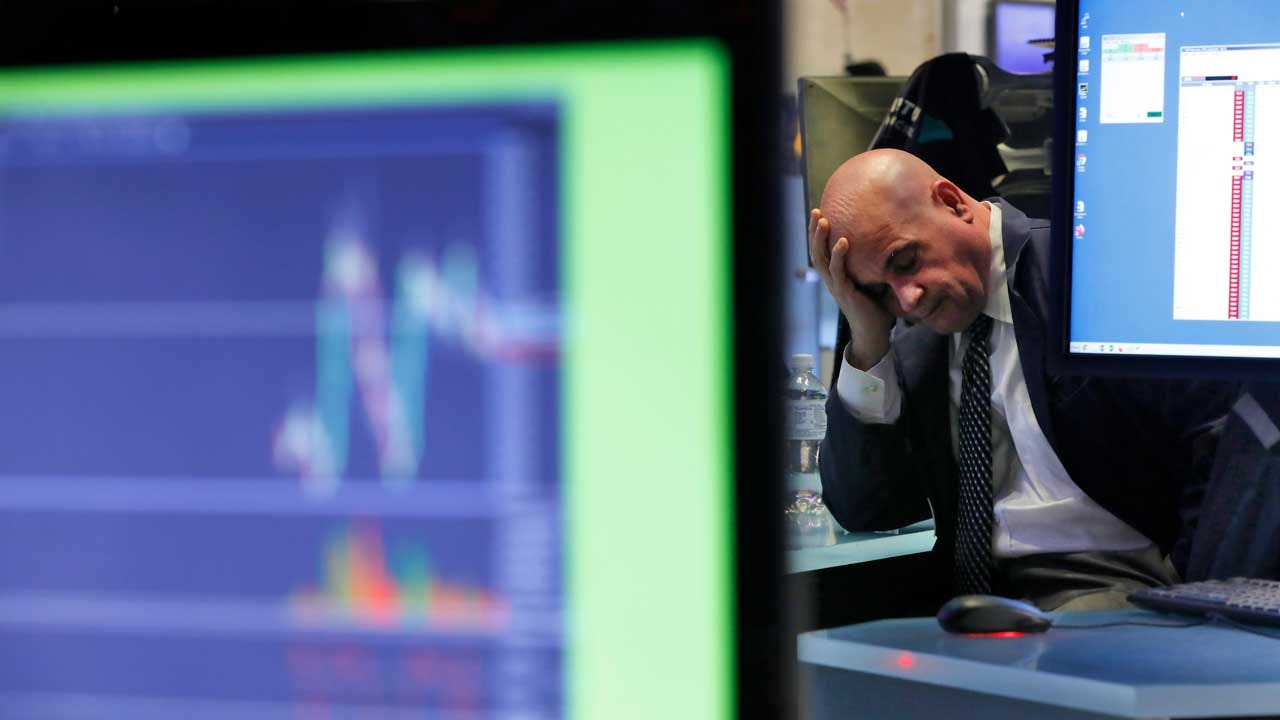 Wall Street Joins Global Tumble, S&P 500 Down More Than 1.5%News On 6