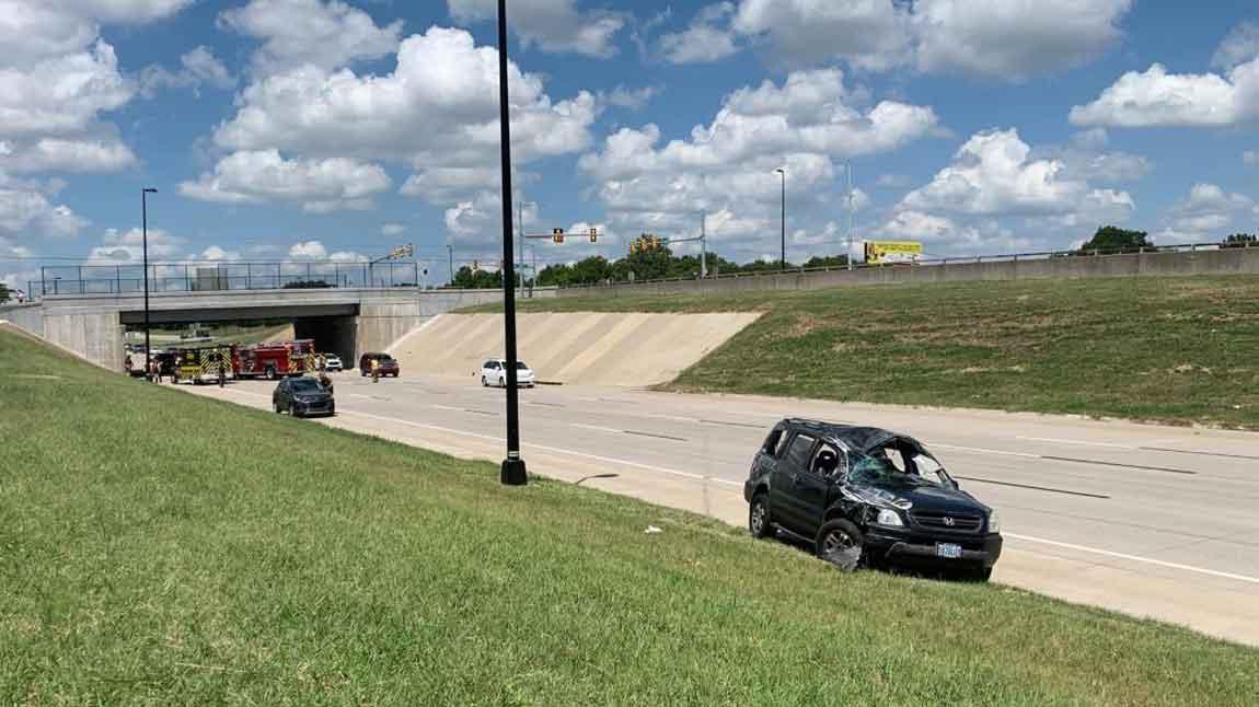 Tulsa Emergency Crews Respond To Multi-Vehicle Accident On I-244