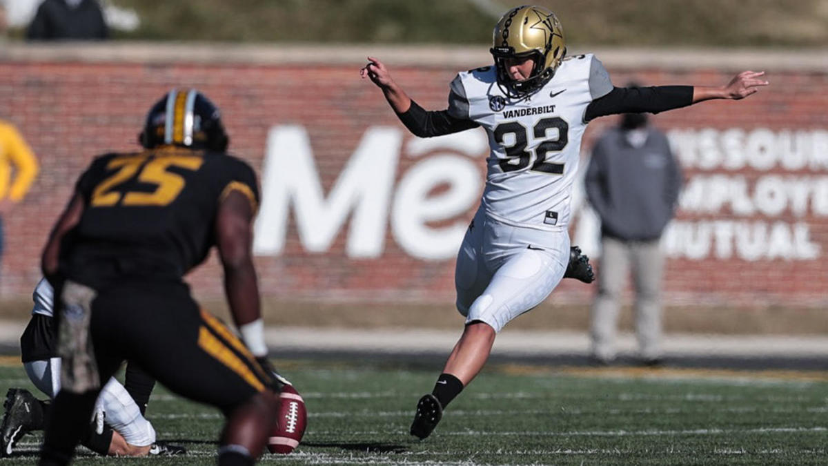 Vanderbilt's Sarah Fuller Makes History As First Woman To Play In Power 5 Football Game