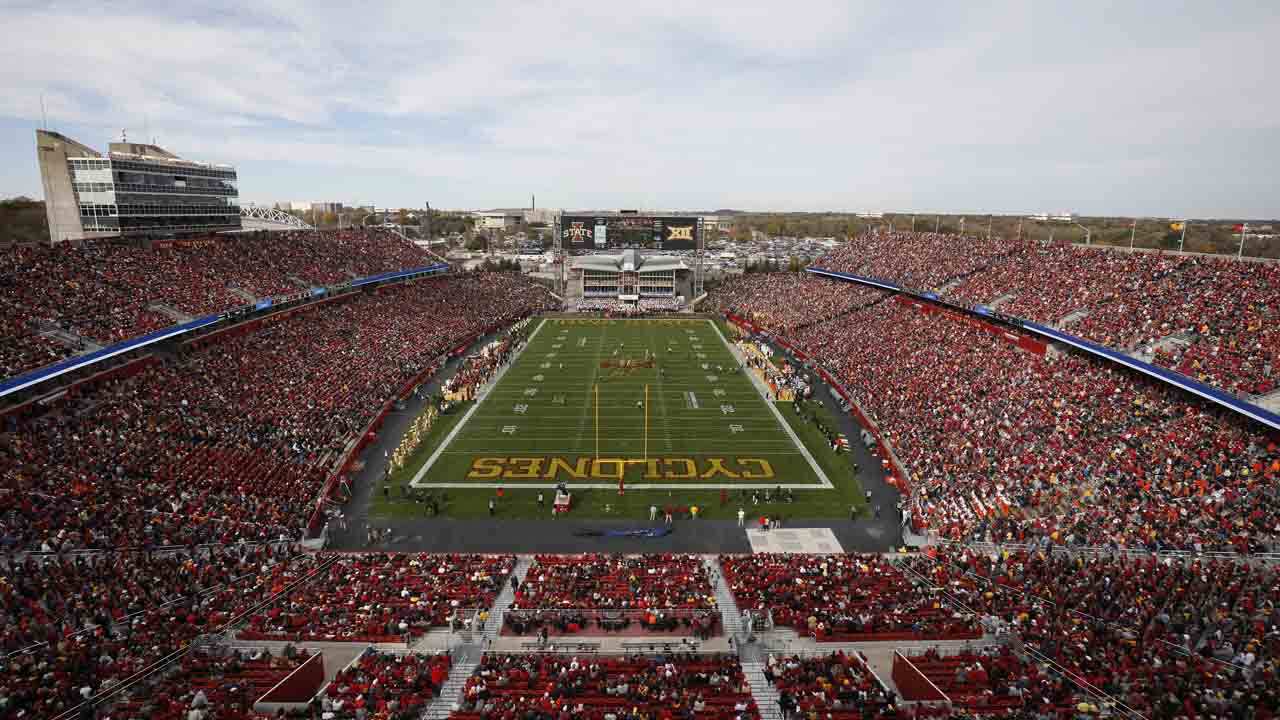 Iowa State Allowing 25,000 Fans At 1st Football Game Despite Rising COVID Cases In State