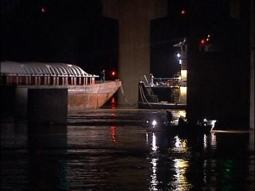 Rope failure to blame for 7 runaway barges
