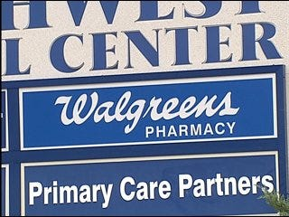 Pharmacy thieves at large