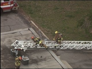 Apartment fire quickly extinguished