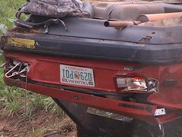 Woman dies, teen hurt in car crash
