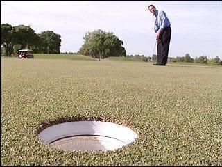 Golf club plans to lure PGA