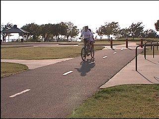 Nichols Hills plans to build bike trail