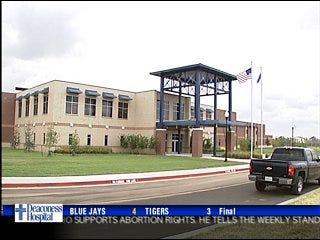 New high school opens in Moore