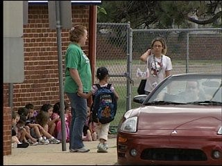 Traffic, safety an issue at Warr Acres school