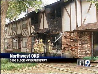 Fire destroys northwest OKC town houses